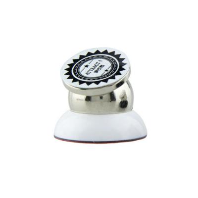 magnetický držák na mobil do auta – bílý